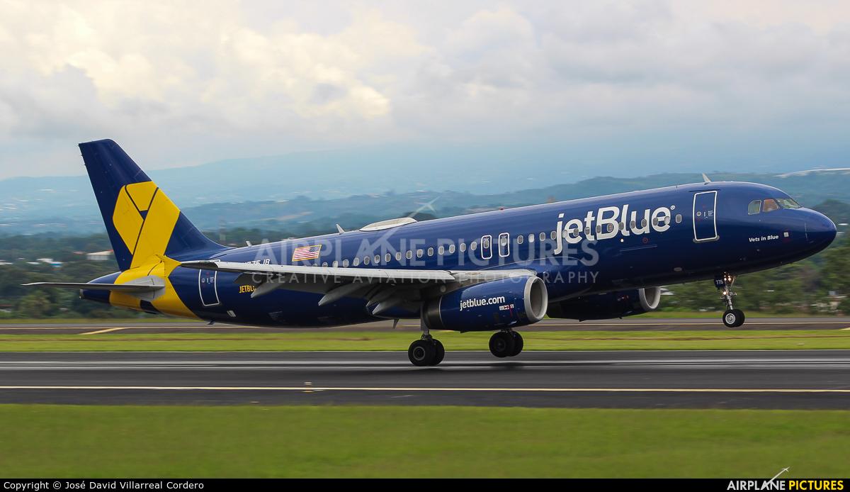 N755JB aircraft at San Jose - Juan Santamaría Intl