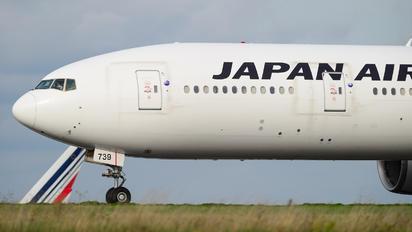 JA739J - JAL - Japan Airlines Boeing 777-300ER