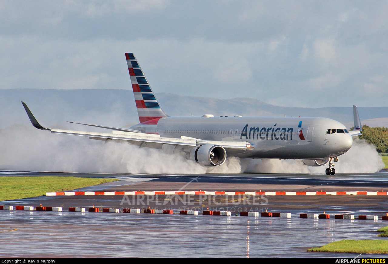 American Airlines N350AN aircraft at Manchester