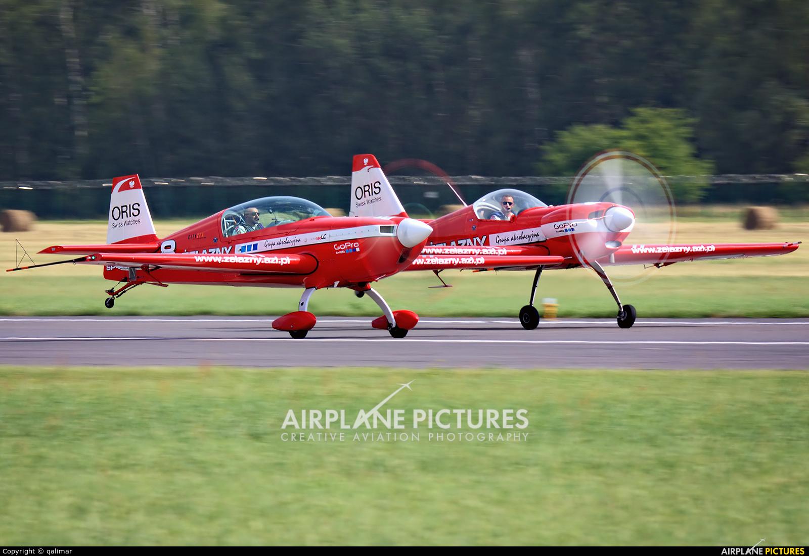 Grupa Akrobacyjna Żelazny - Acrobatic Group SP-AUP aircraft at Radom - Sadków