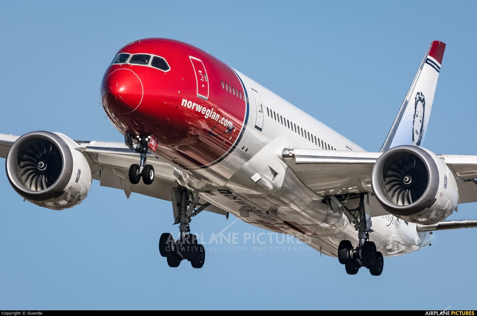 Norwegian Long Haul LN-LNA aircraft at Barcelona - El Prat