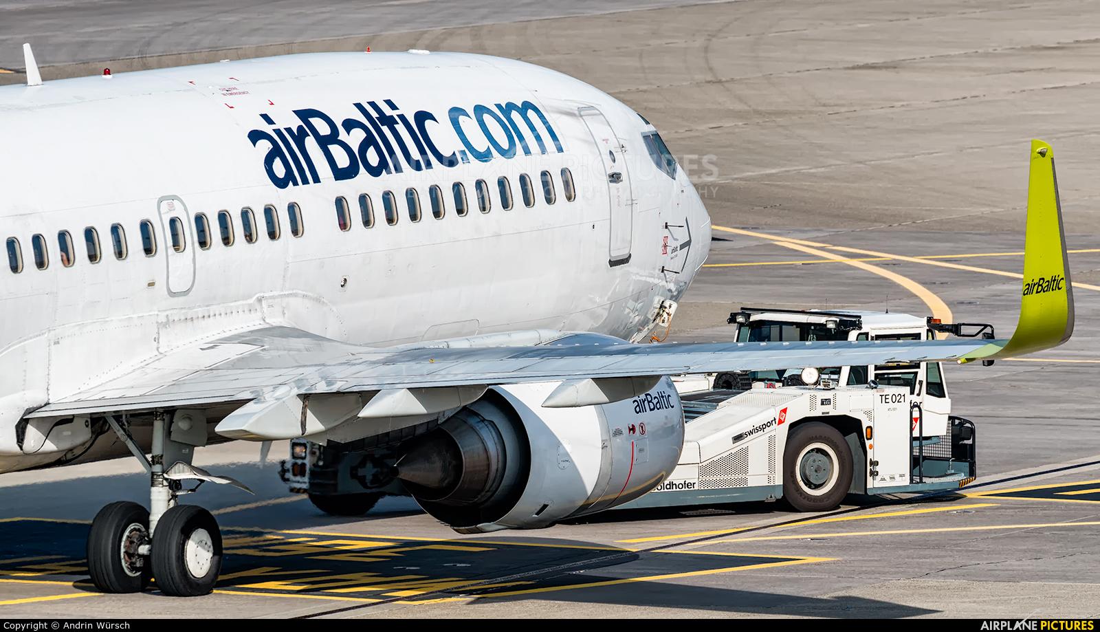 Air Baltic YL-BBY aircraft at Zurich