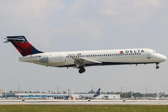 N961AT - Delta Air Lines Boeing 717