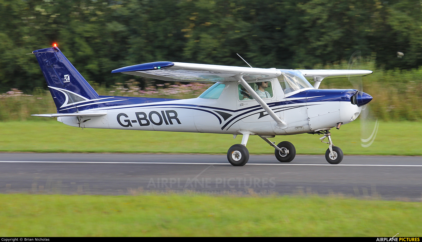 Private G-BOIR aircraft at Welshpool