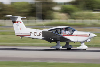 F-GLKH - Private Robin R3000