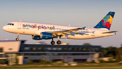 D-ABDB - Small Planet Airlines Airbus A320
