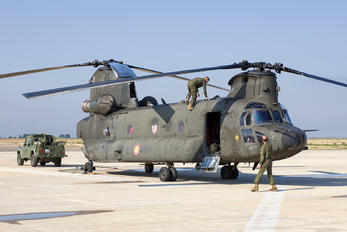HT.17-17 - Spain - Army Boeing CH-47D Chinook