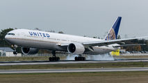 N2142U - United Airlines Boeing 777-300ER aircraft