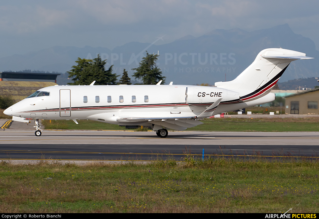 NetJets Europe (Portugal) CS-CHE aircraft at Verona - Villafranca
