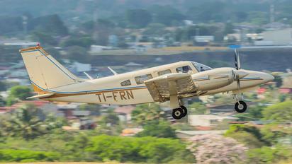TI-FRN - Private Piper PA-34 Seneca