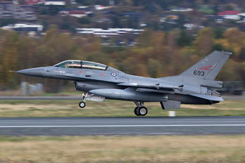 693 - Norway - Royal Norwegian Air Force General Dynamics F-16B Block 15H