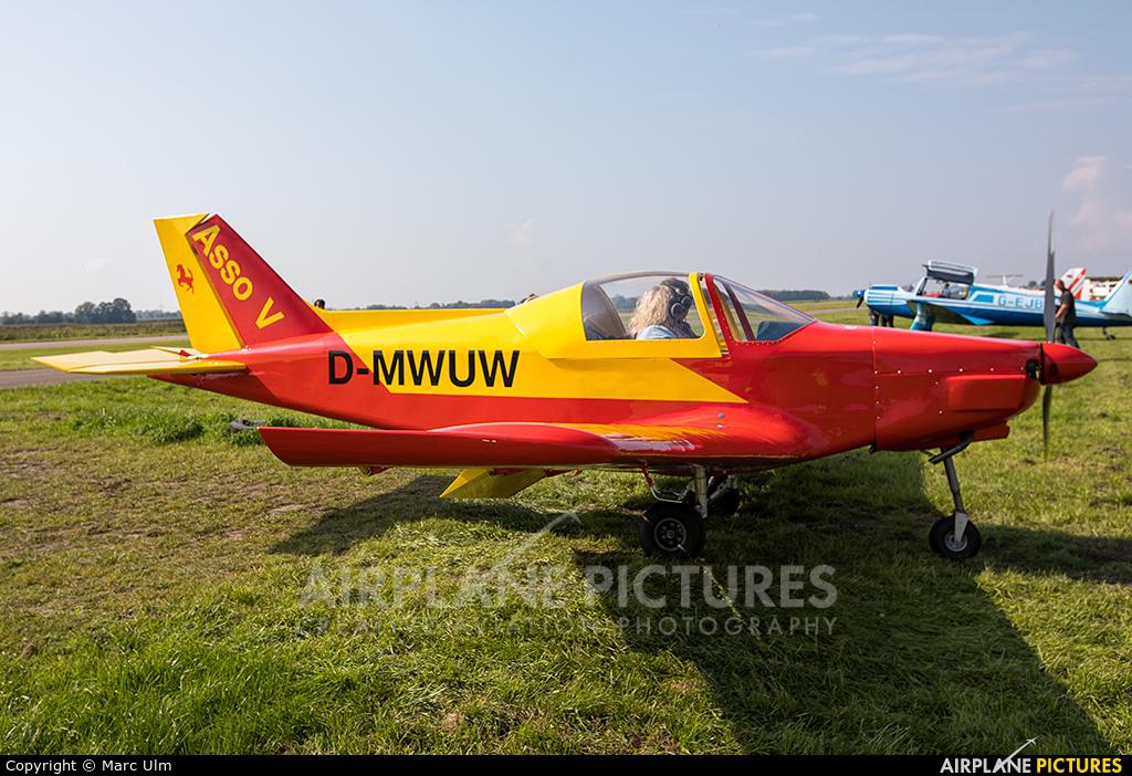 Private D-MMUW aircraft at Donauwörth - Genderkingen