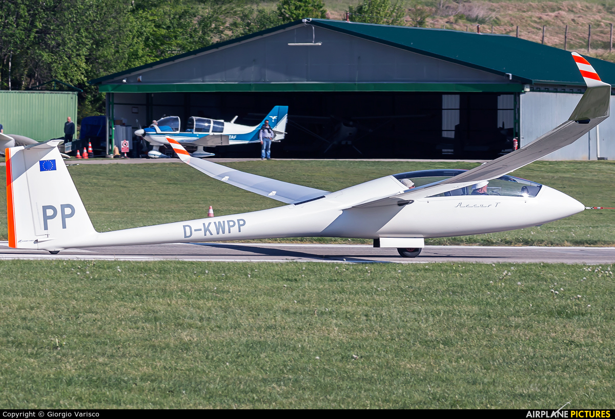 Private D-KWPP aircraft at Alzate Brianza