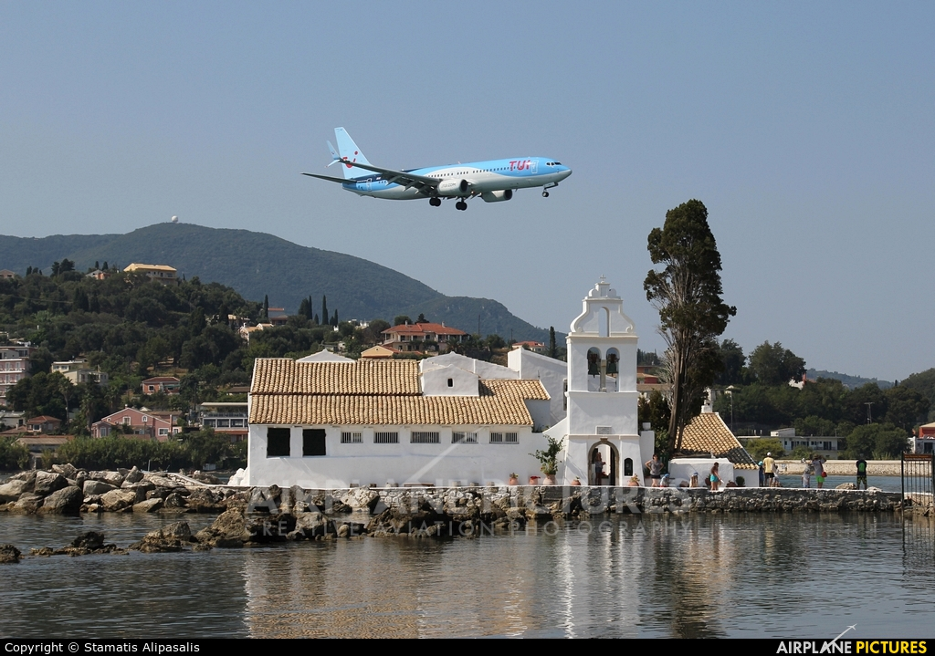 TUI Airways G-TAWS aircraft at Corfu - Ioannis Kapodistrias