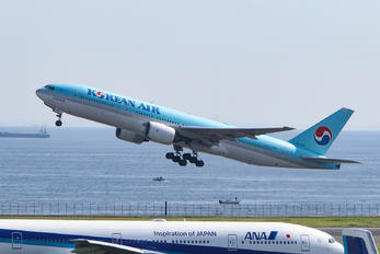 HL7765 - Korean Air Boeing 777-200ER