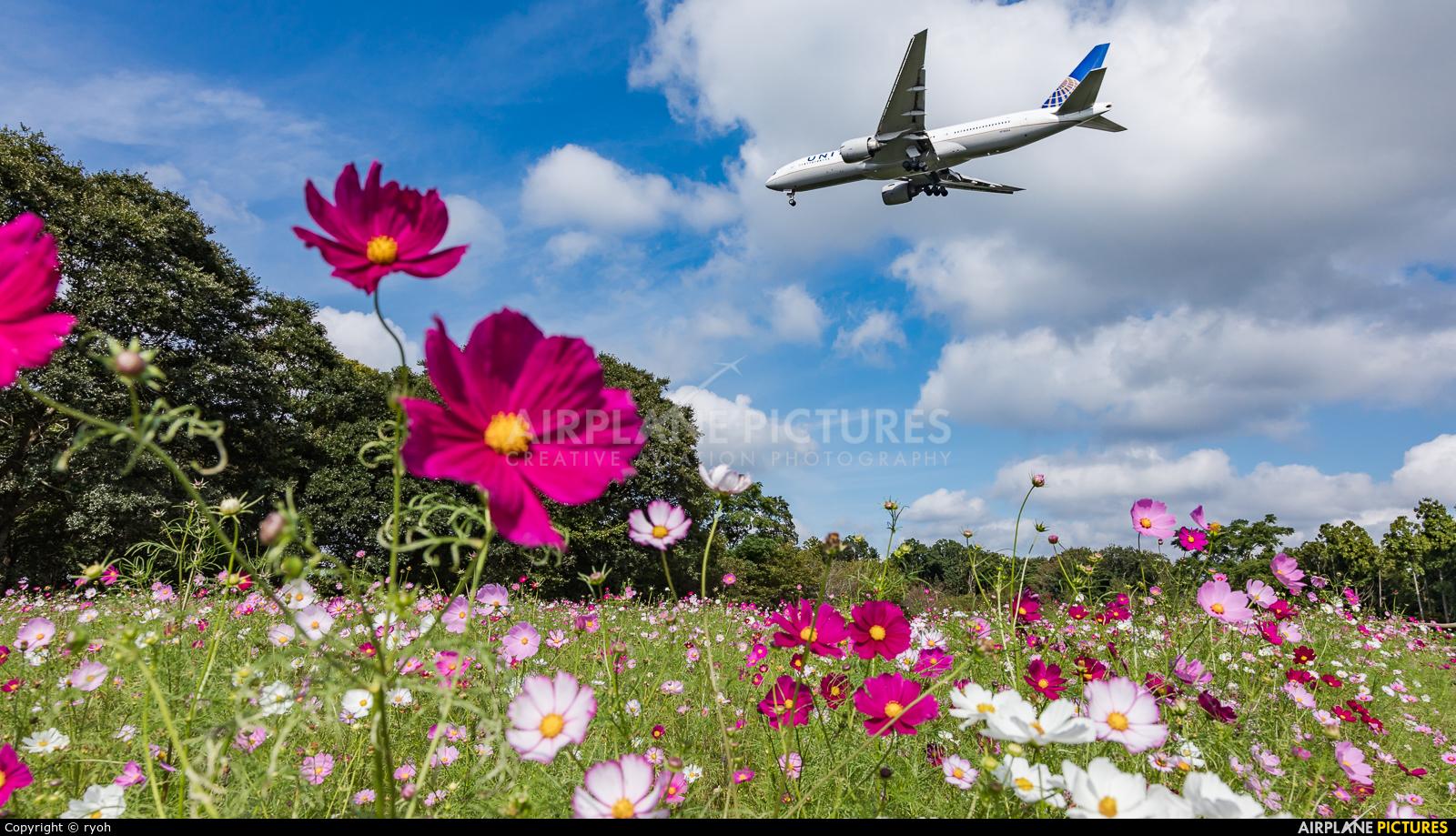 United Airlines N78004 aircraft at Tokyo - Narita Intl