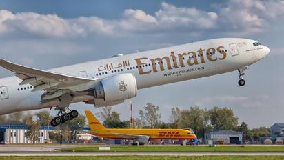 A6-EGR - Emirates Airlines Boeing 777-300ER