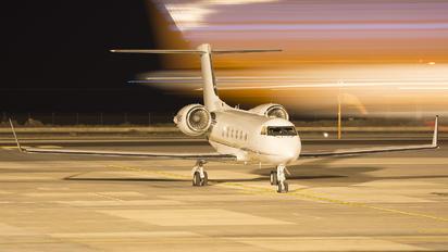 N305CF - Private Gulfstream Aerospace G-IV,  G-IV-SP, G-IV-X, G300, G350, G400, G450