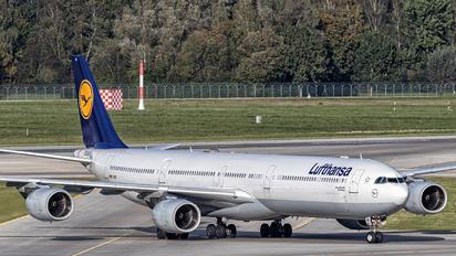 D-AIHB - Lufthansa Airbus A340-600