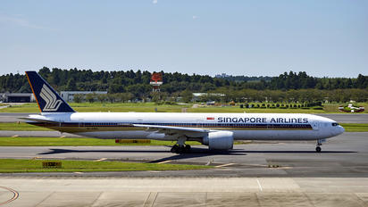 9V-SWG - Singapore Airlines Boeing 777-300ER