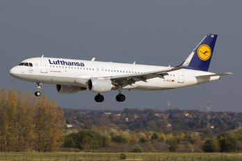 D-AIUX - Lufthansa Airbus A320