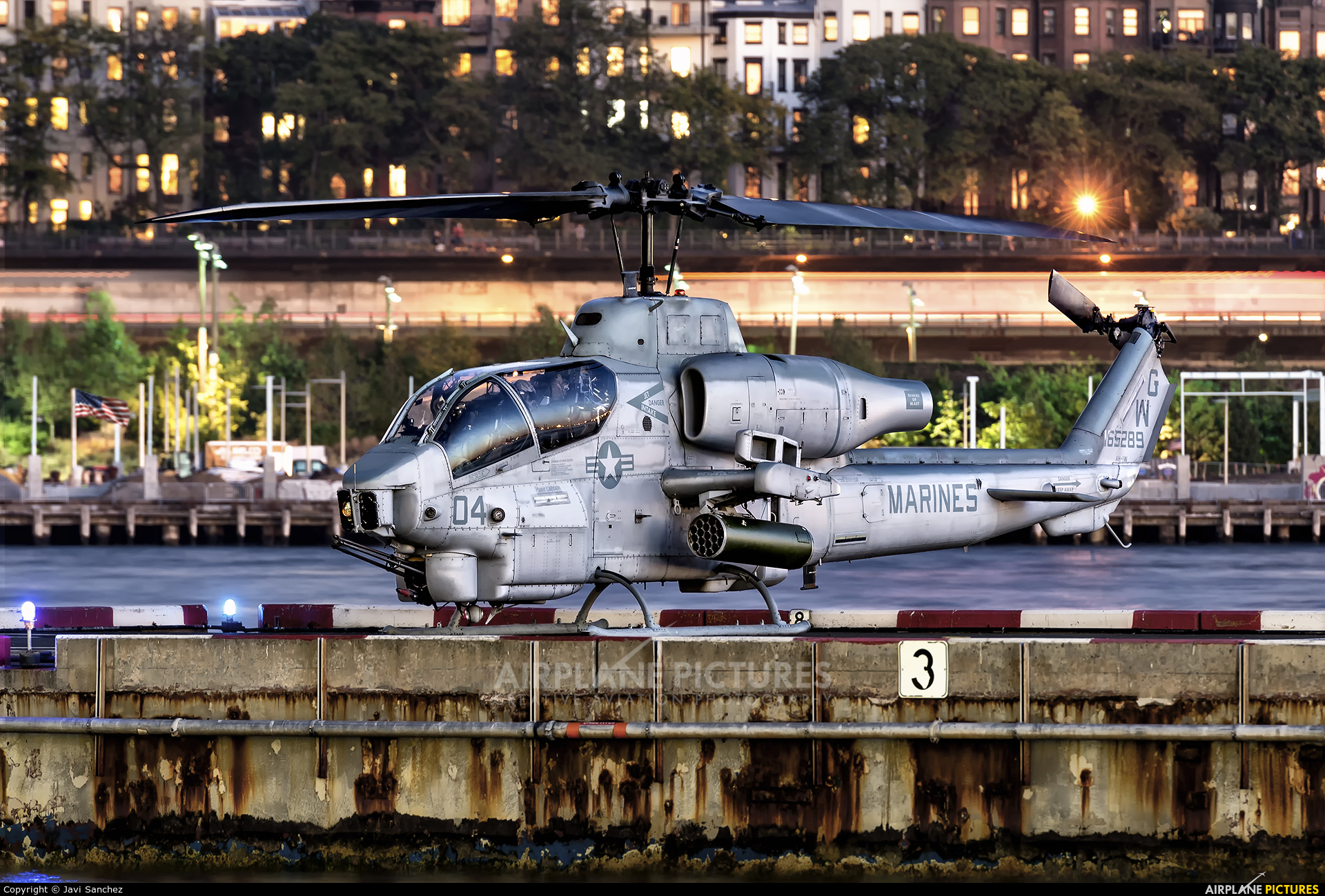 USA - Marine Corps 165289 aircraft at New York - Port Authority Downtown Manhattan / Wall Street Heliport