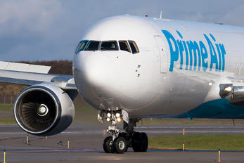 N1093A - Amazon Prime Air Boeing 767-300F