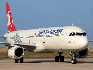 TC-JRR - Turkish Airlines Airbus A321
