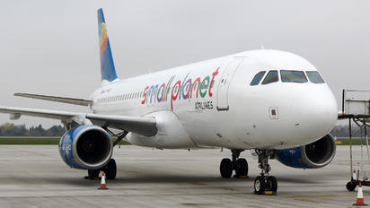 SP-HAD - Small Planet Airlines Airbus A320