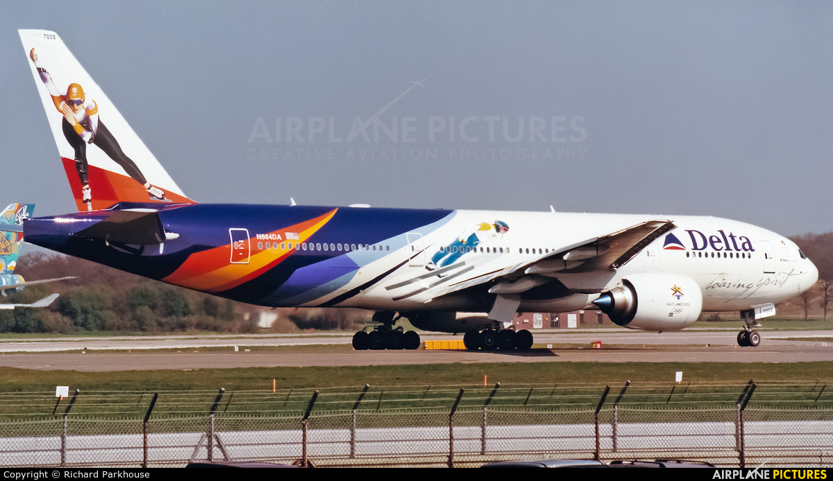 Delta Air Lines N864DA aircraft at London - Gatwick
