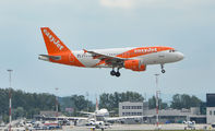G-EZDY - easyJet Airbus A319 aircraft