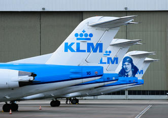 - - KLM Cityhopper - Airport Overview - Aircraft Detail