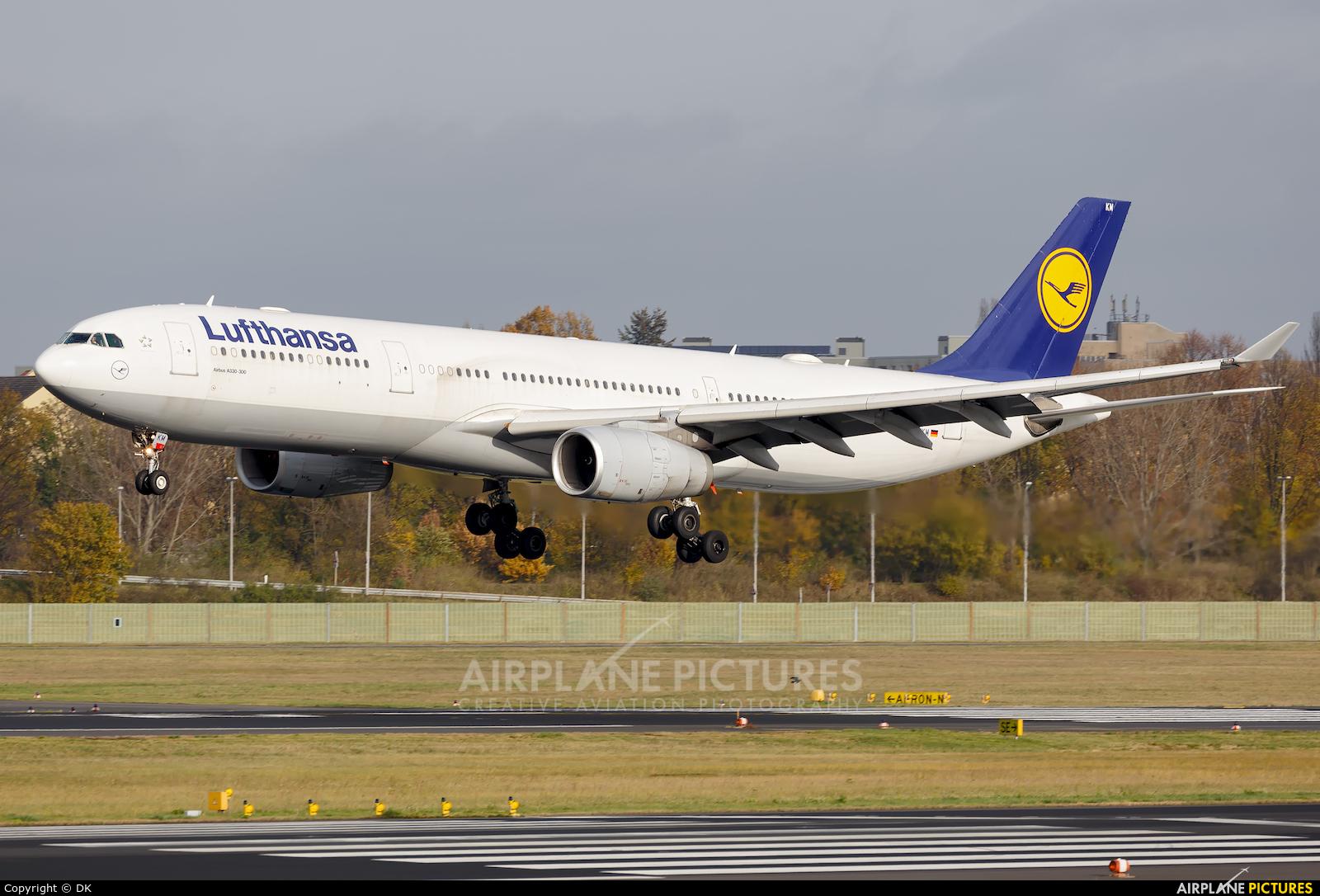 Lufthansa D-AIKM aircraft at Berlin - Tegel