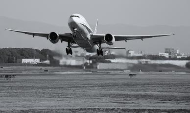 - - ANA - All Nippon Airways Boeing 777-200ER