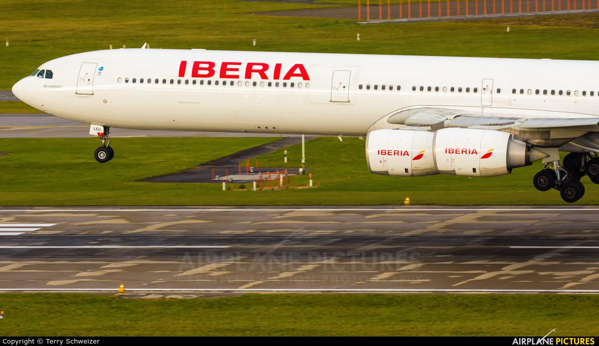 Iberia EC-LEU aircraft at Zurich