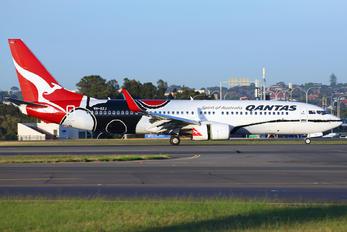 VH-XZJ - QANTAS Boeing 737-800
