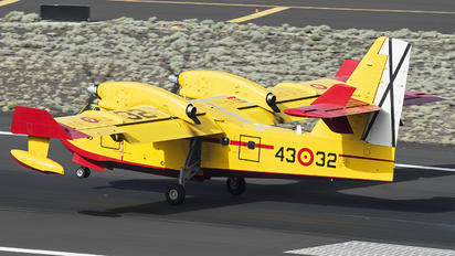 14-02 - Spain - Air Force Canadair CL-215
