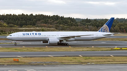 N233IU - United Airlines Boeing 777-300ER
