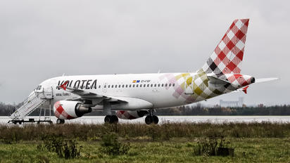 EI-FXP - Volotea Airlines Airbus A319