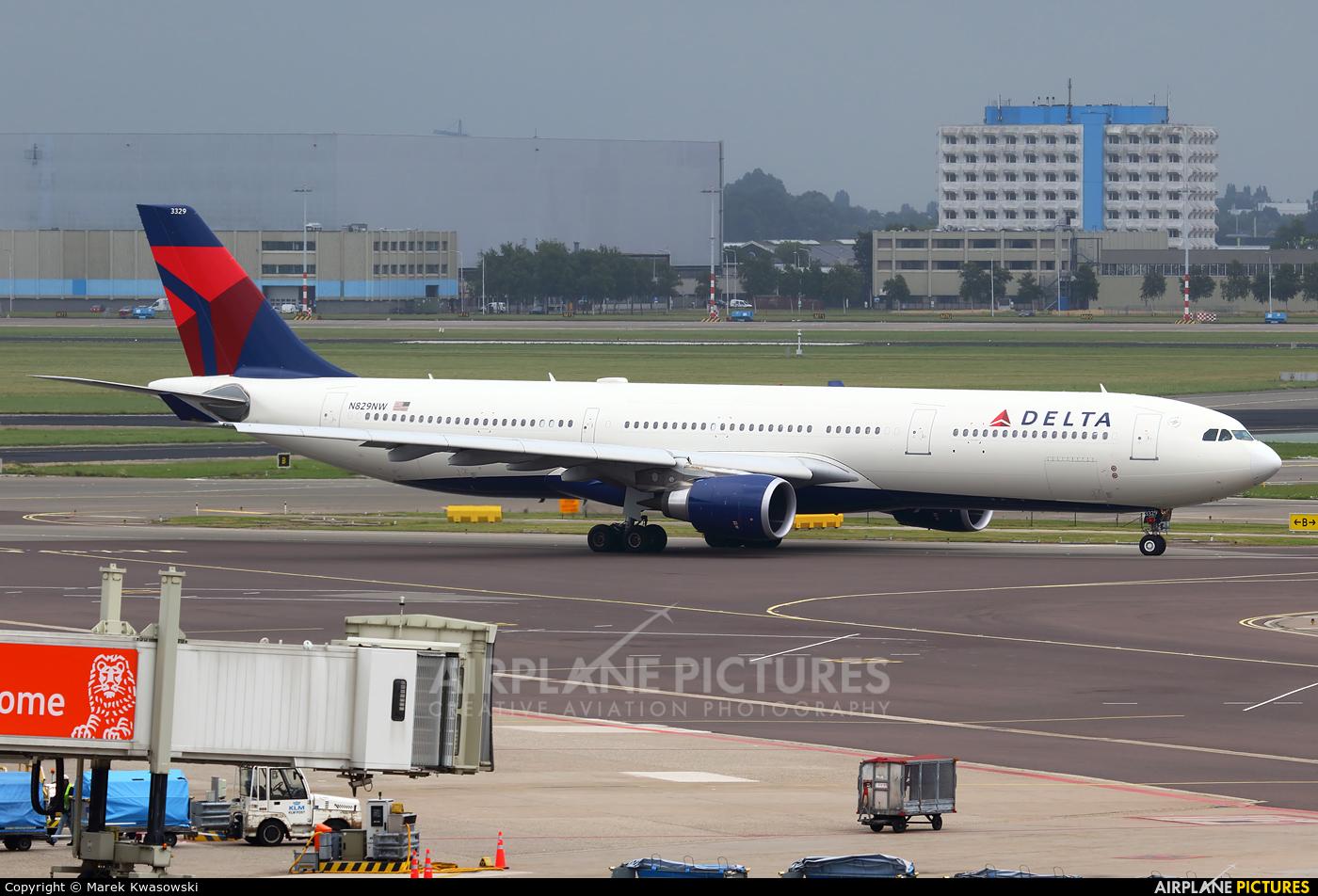 Delta Air Lines N829NW aircraft at Amsterdam - Schiphol