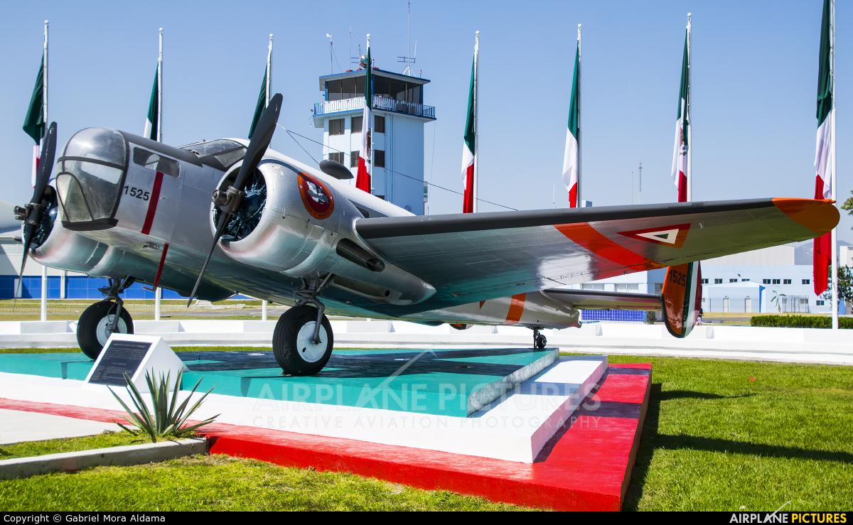 Mexico - Air Force 1525 aircraft at Zapopan AFB