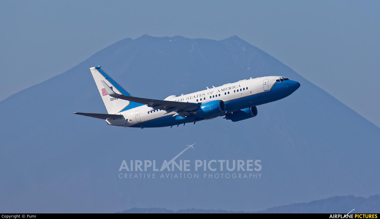 USA - Air Force 01-0040 aircraft at Yokota AB