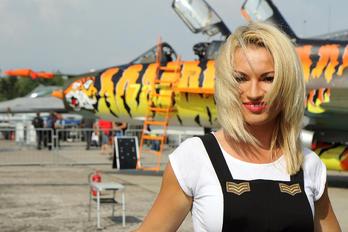- - Aviation Glamour - Aviation Glamour - Model