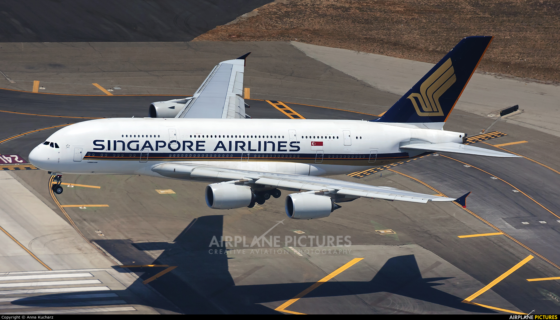 Singapore Airlines 9V-SKM aircraft at Los Angeles Intl