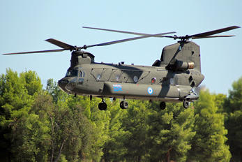 ES922 - Greece - Hellenic Army Boeing CH-47D Chinook