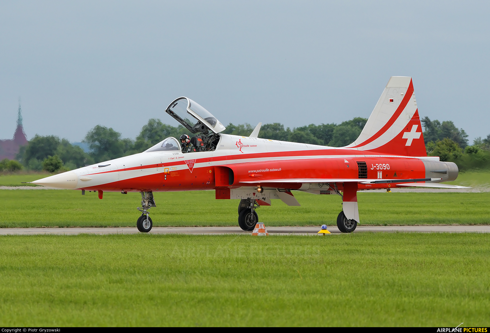 Switzerland - Air Force:  Patrouille de Suisse J-3090 aircraft at Čáslav