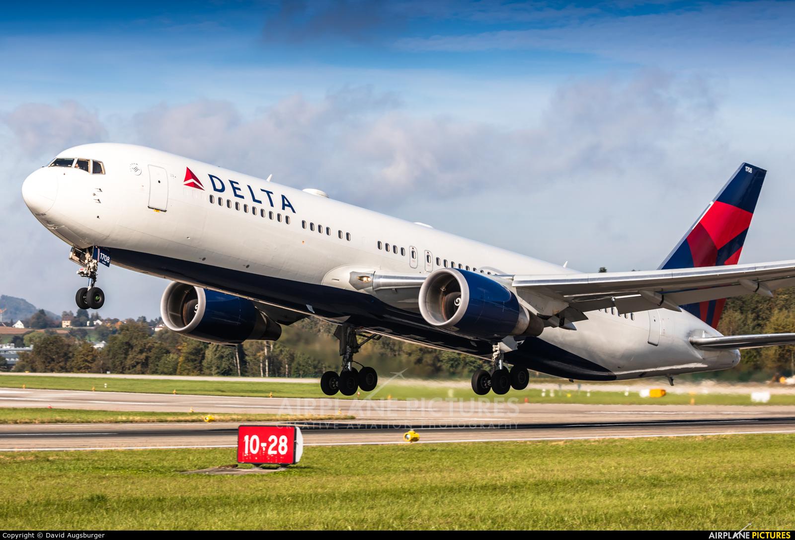 Delta Air Lines N178DZ aircraft at Zurich