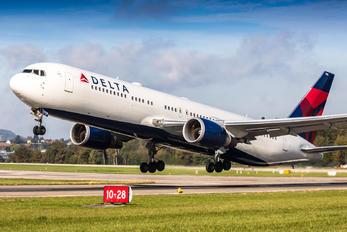 N178DZ - Delta Air Lines Boeing 767-300ER