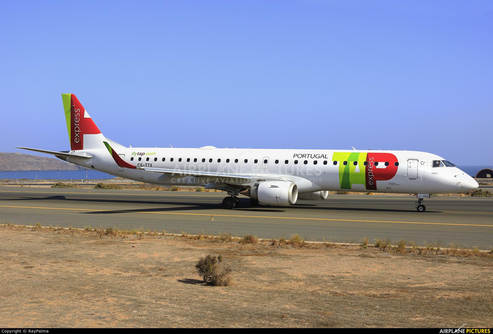 TAP Express CS-TTX aircraft at Aeropuerto de Gran Canaria