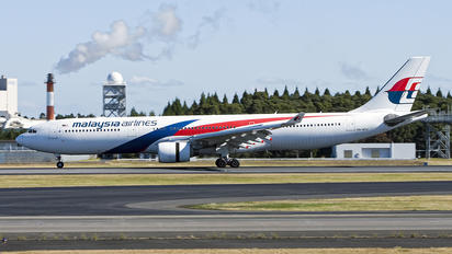 9M-MTD - Malaysia Airlines Airbus A330-300